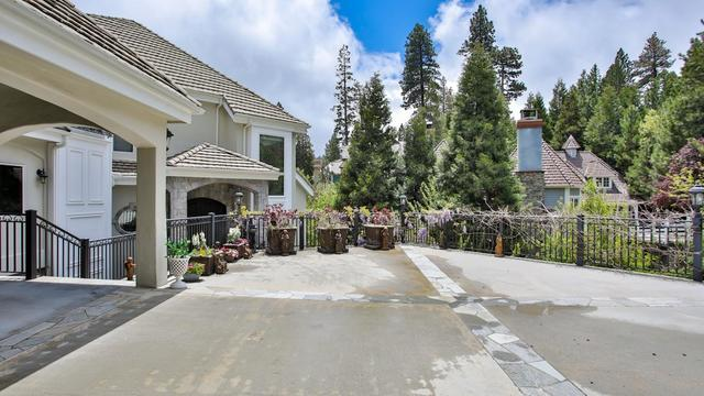 27409 North Bay Road Lake Arrowhead, CA 92352
