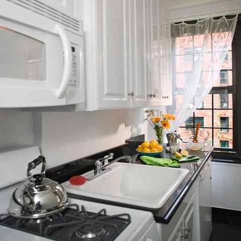 435 West 23rd Street, Unit 12D Image #1