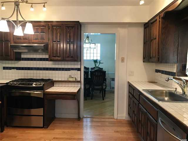 221-23 Kingsbury Avenue Queens, NY 11364