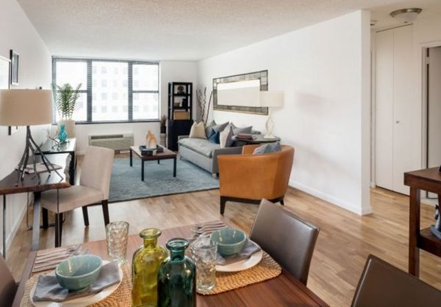 365 South End Avenue, Unit 2D Image #1