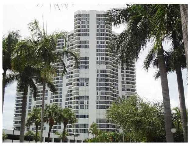 3500 Mystic Pointe Drive, Unit 406 Image #1