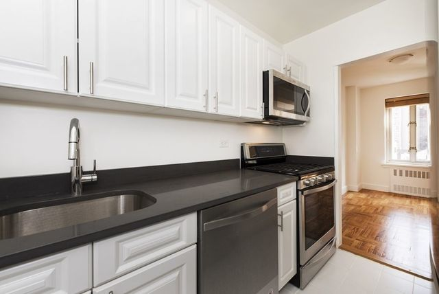 35 East 35th Street, Unit 15H Image #1