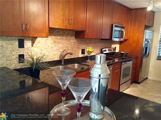 2029 North Ocean Boulevard, Unit 201 Image #1
