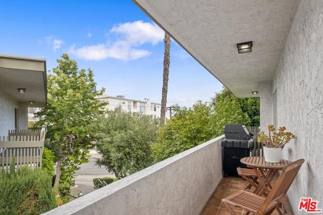 10445 Eastborne Avenue, Unit 202 Los Angeles, CA 90024