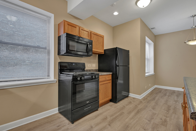 3807 West Polk Street, Unit 1 Chicago, IL 60624