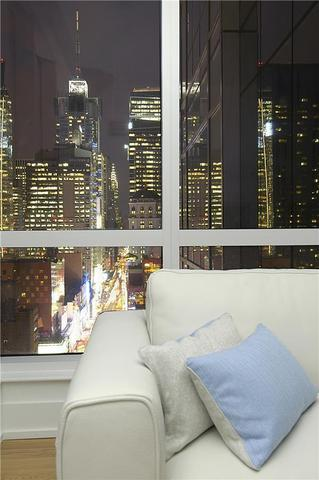 350 West 42nd Street, Unit 27D Image #1