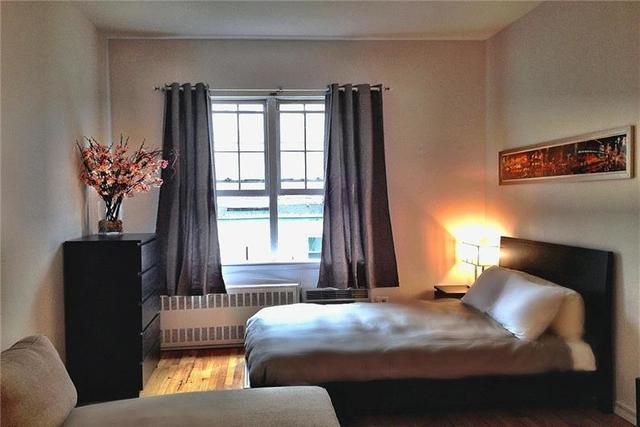 228 West 15th Street, Unit 3B Image #1