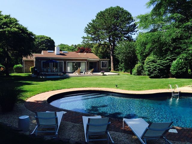 33 Shinnecock Hills Road Southampton, NY 11968