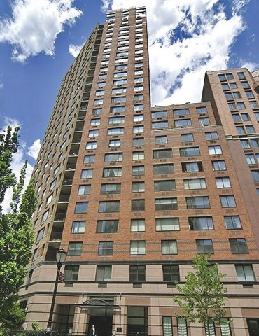 375-377 Rector Place, Unit 19A Image #1