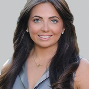 Alexys Crawford,                     Agent in San Francisco - Compass