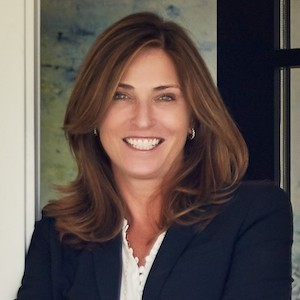 Lynn Molloy,                     Agent in San Francisco - Compass