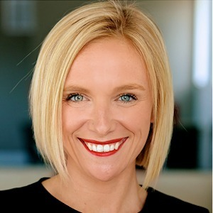 Nicolle Noble,                     Agent in Chicago - Compass