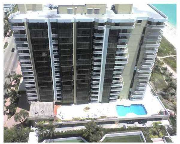 6423 Collins Avenue, Unit 902 Image #1