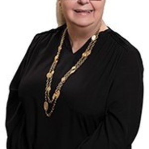 Judith Bell,                     Agent in San Francisco - Compass