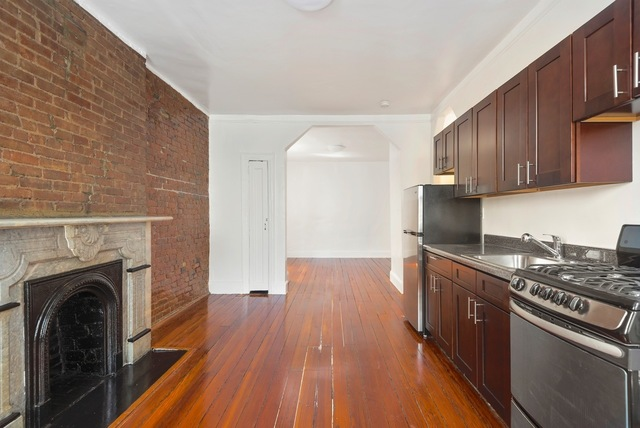 300 West 10th Street, Unit 4B Image #1