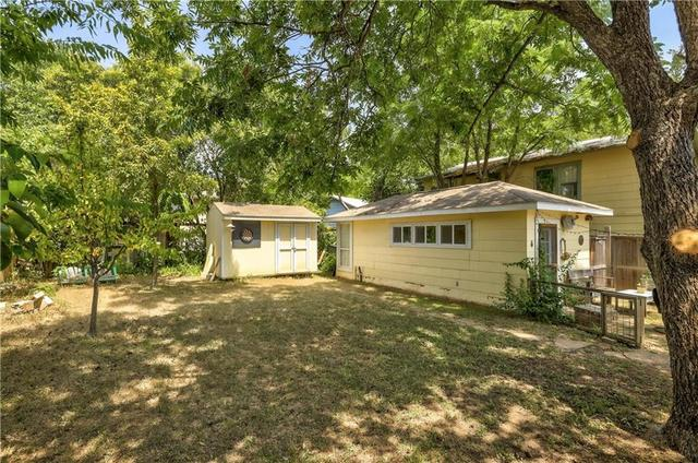 2010 Oxford Avenue Austin, TX 78704
