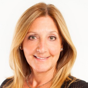 Cindy Waxman,                     Agent in NYC - Compass