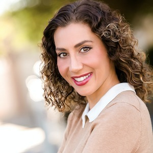 Sharona Farhadian,                       Agent in Los Angeles - Compass