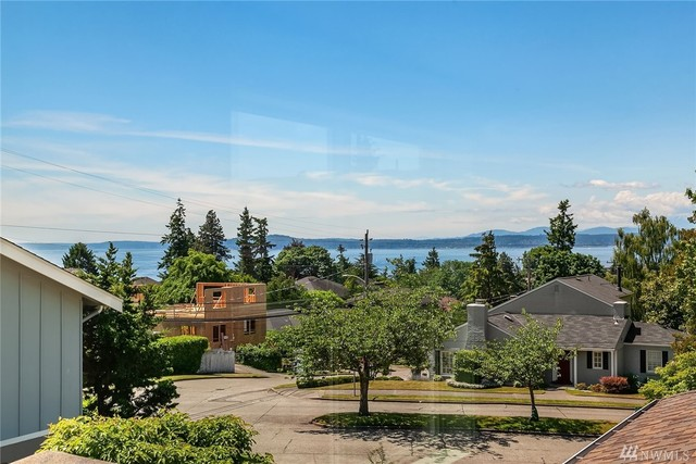 1908 29th Avenue West Seattle, WA 98199