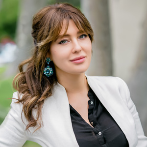 Dessy Kozakevitch, Agent in Los Angeles - Compass