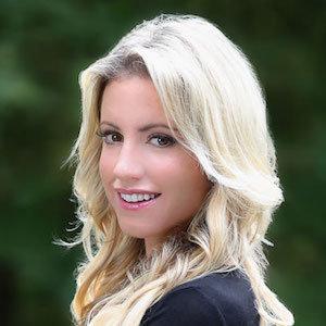 Allison Prigozen,                     Agent in westchester_ny - Compass