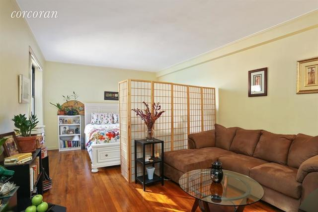 159-34 Riverside Drive West, Unit 5L Image #1