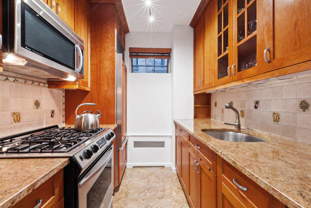 357 East 57th Street, Unit 8F Manhattan, NY 10022