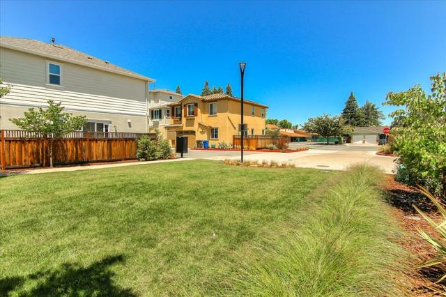 131 English Rose Circle Campbell, CA 95008
