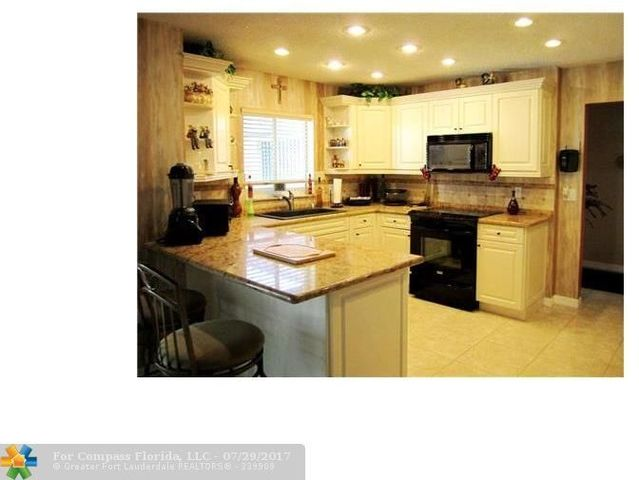 3607 Oaks Clubhouse Drive, Unit P19 Image #1