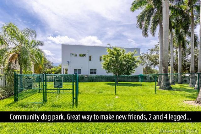 1505 Yellowheart Way Hollywood, FL 33019