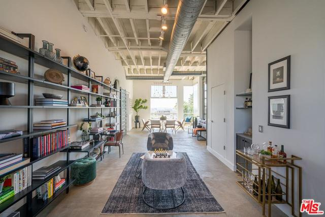 1152 North La Cienega Boulevard, Unit 301 West Hollywood, CA 90069