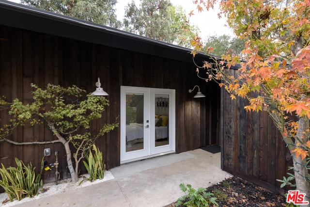 16426 Akron Street Pacific Palisades, CA 90272