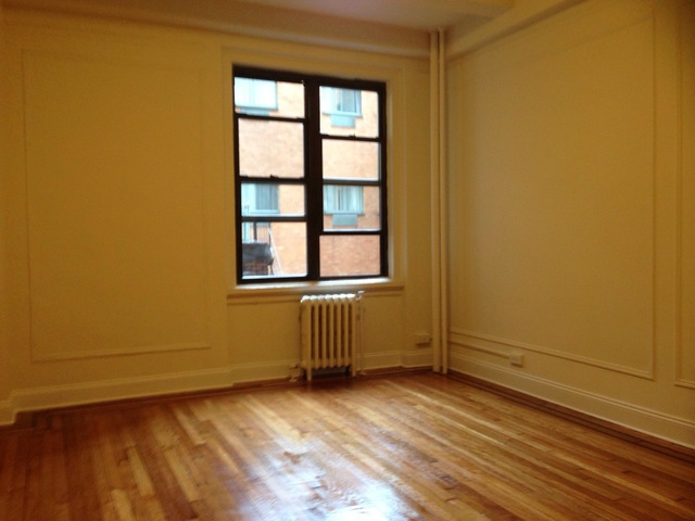 208 West 23rd Street, Unit 610 Image #1