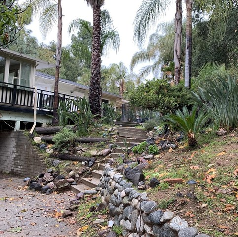 3565 Hollyslope Road Altadena, CA 91001
