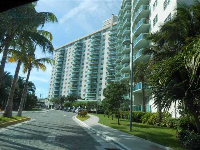 19380 Collins Avenue, Unit 323 Image #1