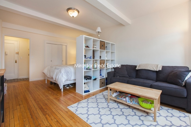 200 West 15th Street, Unit 8C Image #1