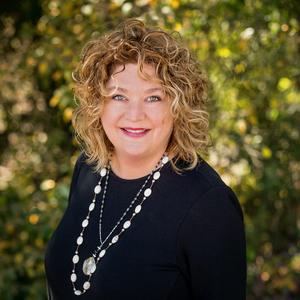 Headshot of Pamela Marney