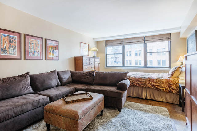 225 East 36th Street, Unit 15B Manhattan, NY 10016