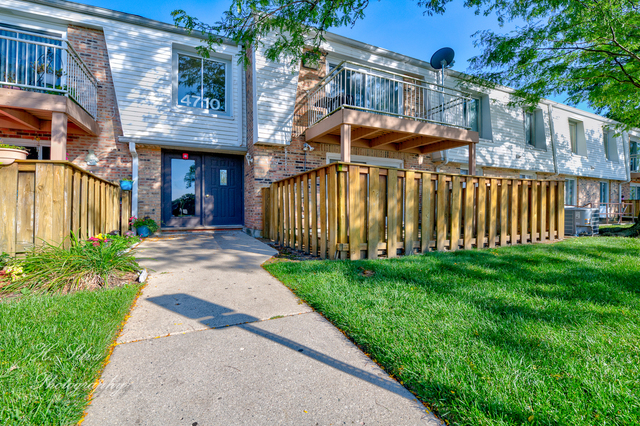 4710 Euclid Avenue, Unit 1D Rolling Meadows, IL 60008