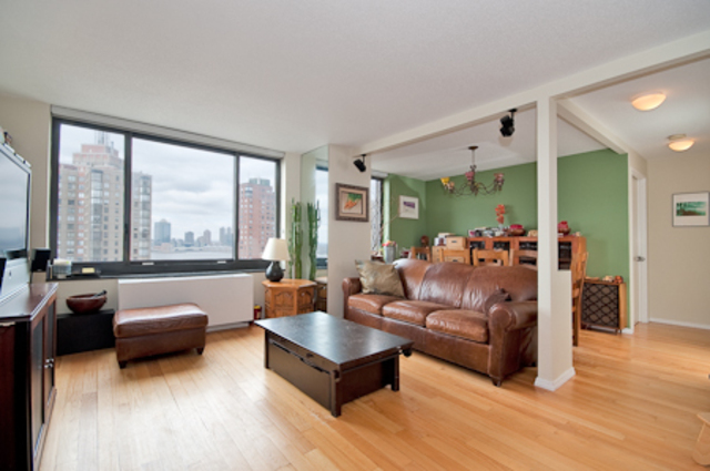 200 Rector Place, Unit 19B Image #1
