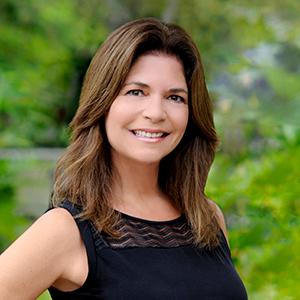 Mia Mione-Coughlin,                       Agent in Miami - Compass