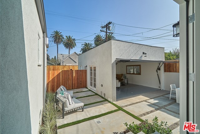 326 North Plymouth Boulevard Los Angeles, CA 90004