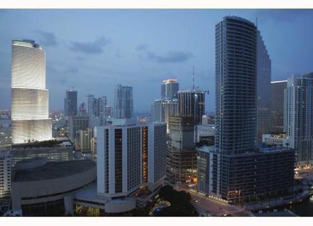 500 Brickell, Unit 3305 Image #1
