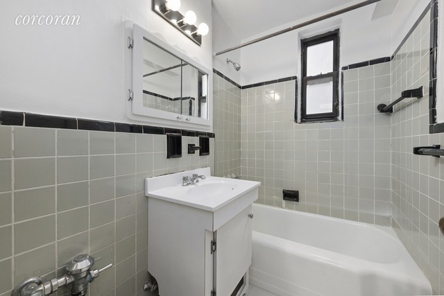 345 Webster Avenue, Unit 2O Image #1