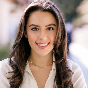 Sayeh Foroutan,                       Agent in Los Angeles - Compass