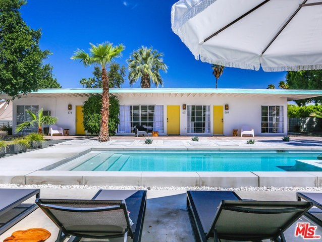 569 South Mountain View Drive Palm Springs, CA 92264