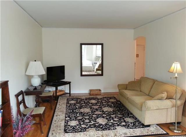 515 East 89th Street, Unit 4M Image #1