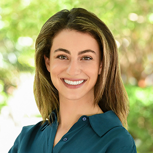 Natalie Abadi,                       Agent in Miami - Compass