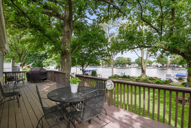 1220 River Terrace Drive Johnsburg, IL 60051