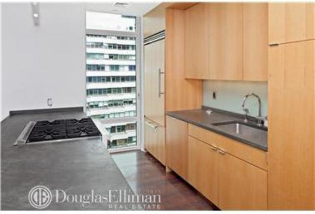 207 East 57th Street, Unit 17A Image #1